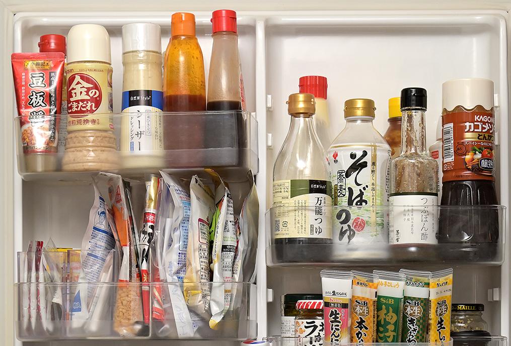 「ざっくり」タイプの冷蔵庫ドアポケット上段の収納イメージ